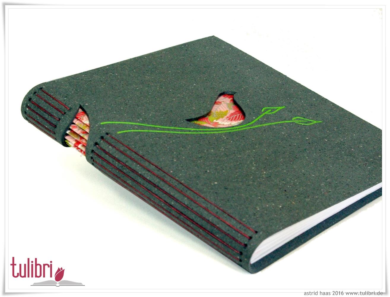 Birdy red - ein kleiner Vogel aus hübschem Buntpapier